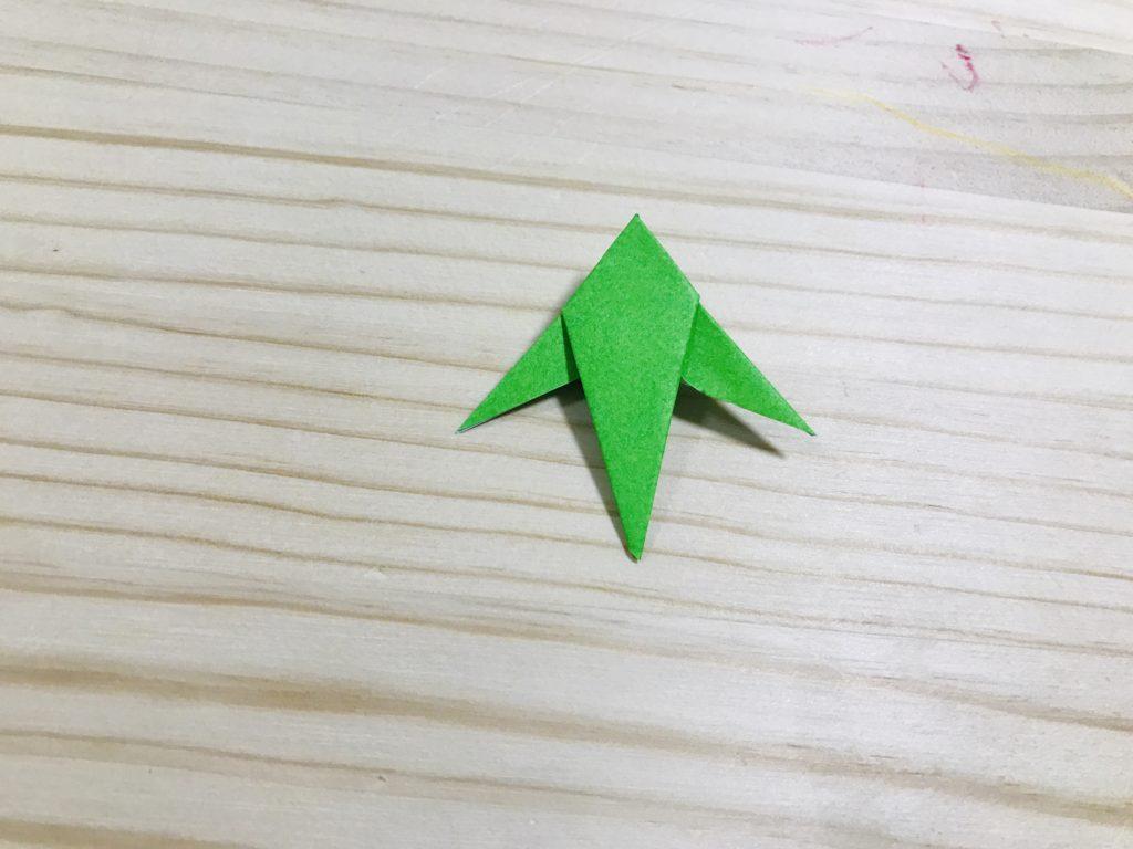 折り紙の笹の葉