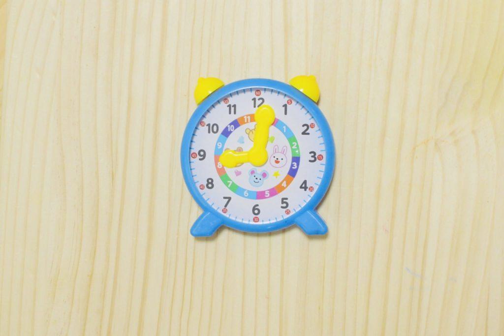 ダイソー 知育時計