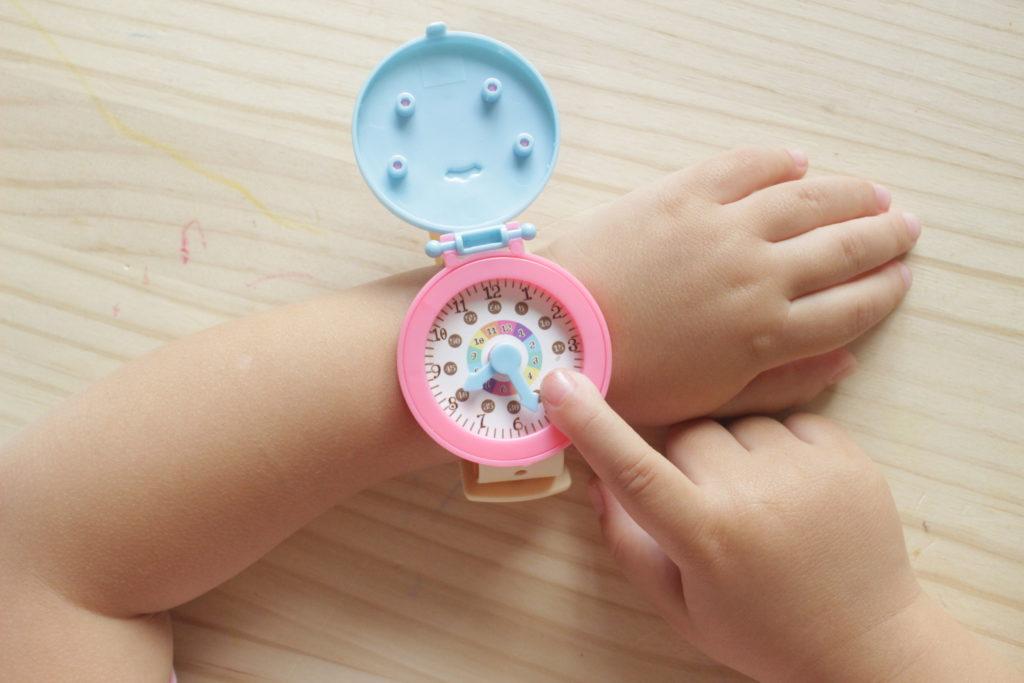 セリア 腕時計 おもちゃ