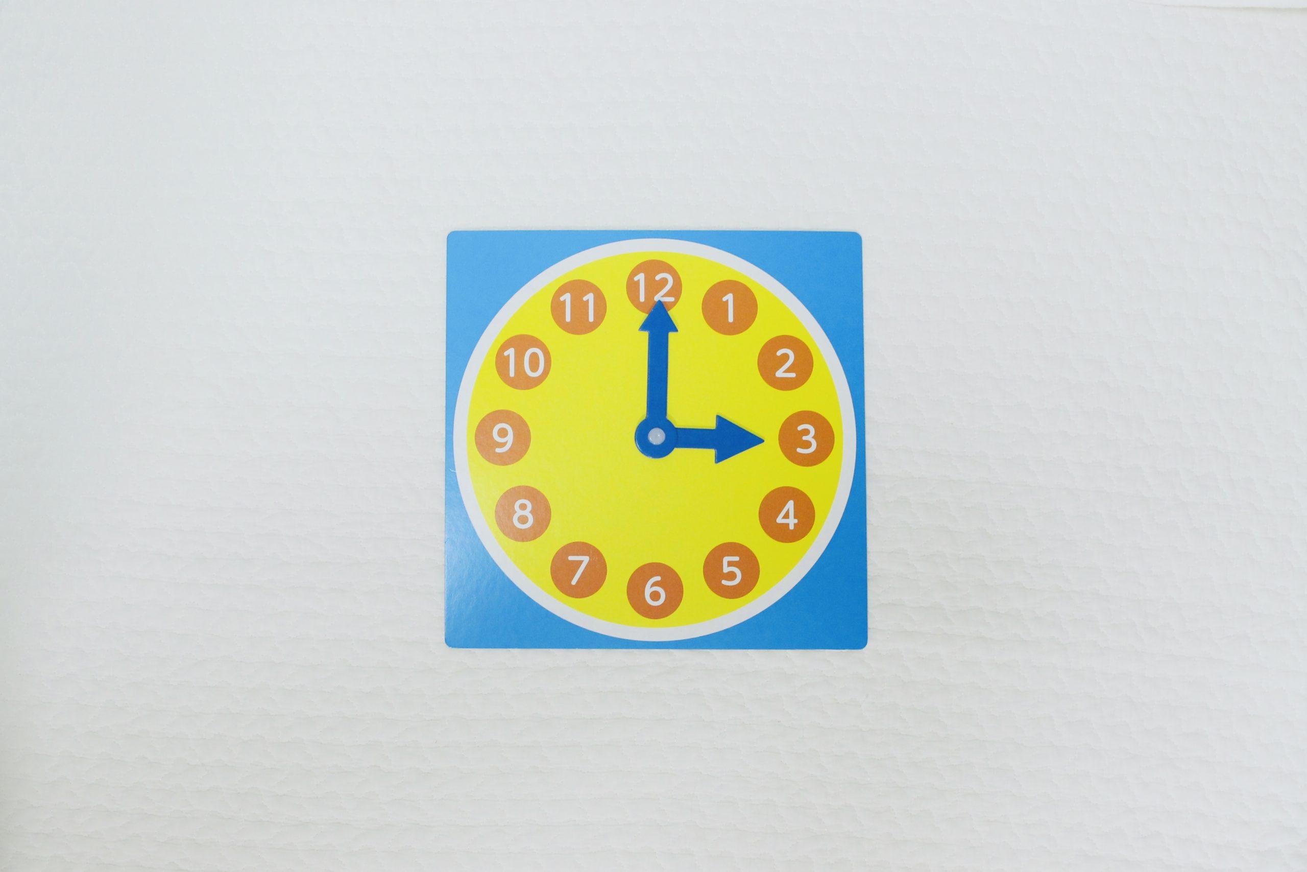 セリアの知育時計