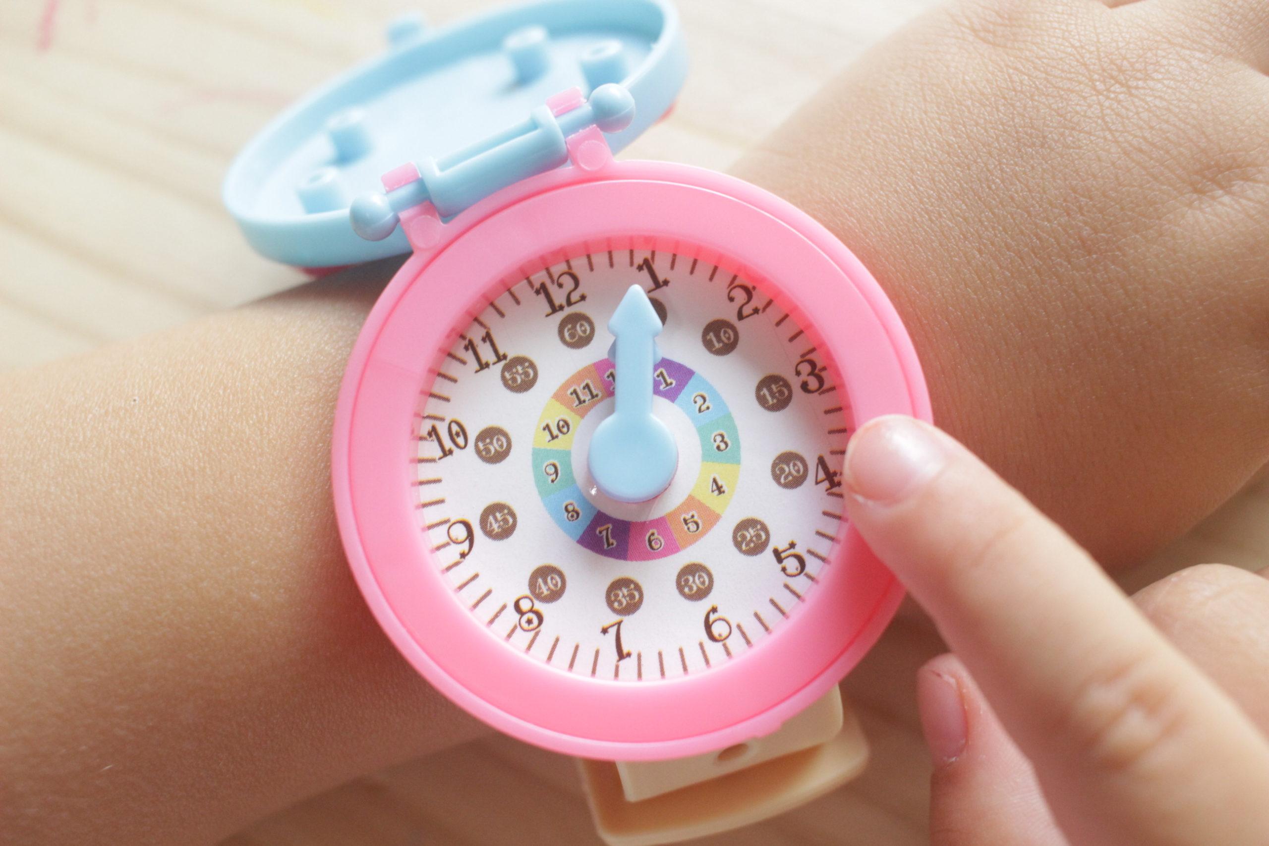 セリア 知育腕時計